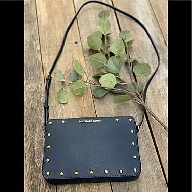 Michael Kors Sandrine stud LG crossbody leather bag