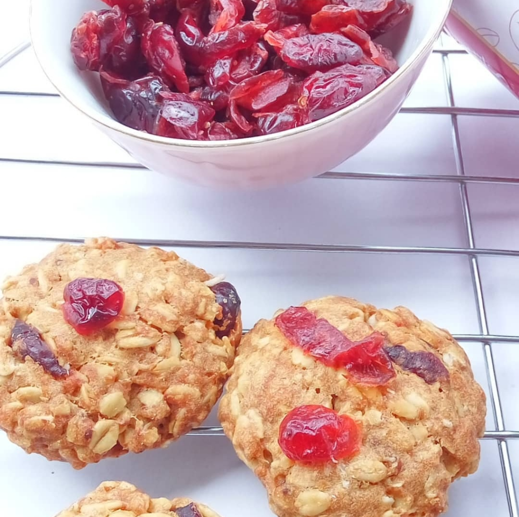 Cranberry Lactation cookies | 250 gram | 12- 15 pieces per cane